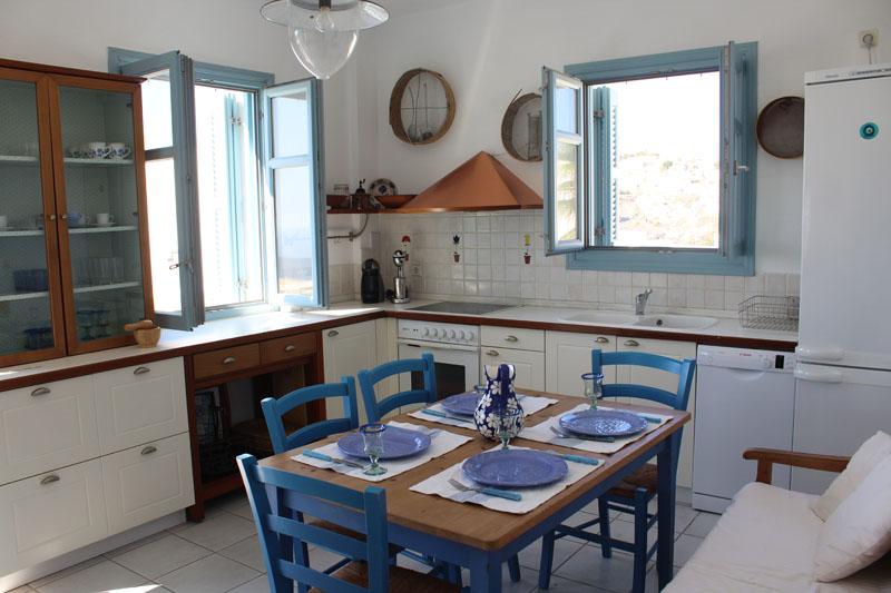 360 Blue House – Fira