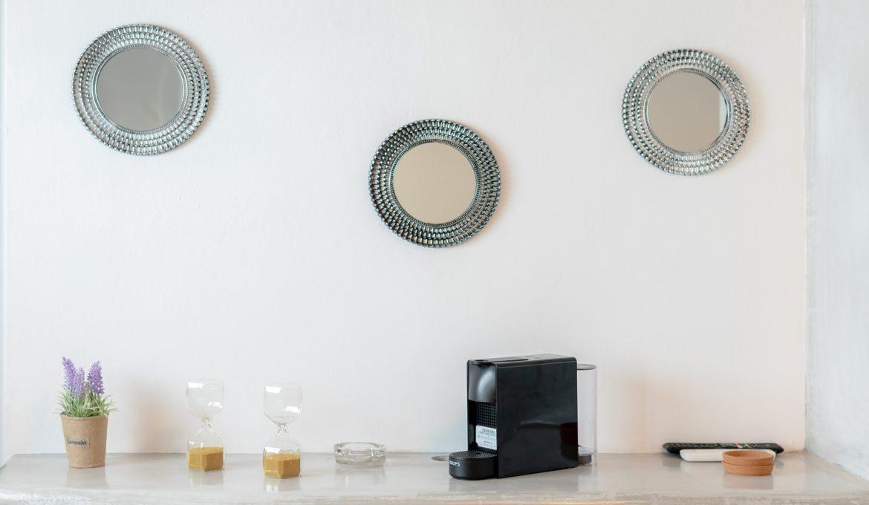 Neoklassiko Koukouli Deluxe Room – Fira